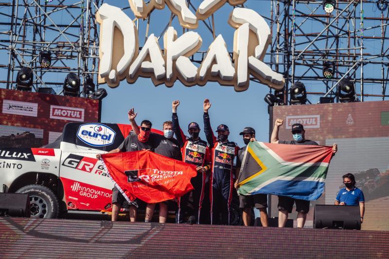 TOYOTA GAZOO Racing termine 2e du classement général du Dakar 2021